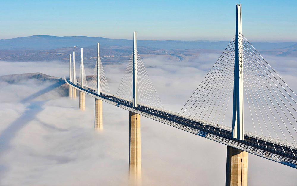 viaduc-de-millau-nuages - Photo