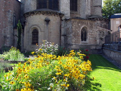 Secrets de jardins cahors lot midi pyr n es grand for Entretien jardin cahors