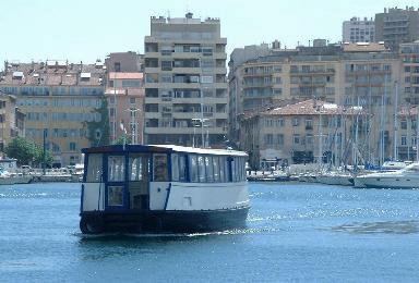 Apr s la sardine qui bouche le port le banc le plus long du monde marseille bouches du - Sardine port de marseille ...